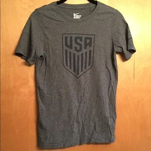 Nike USA fitted t-shirt, L, barely worn